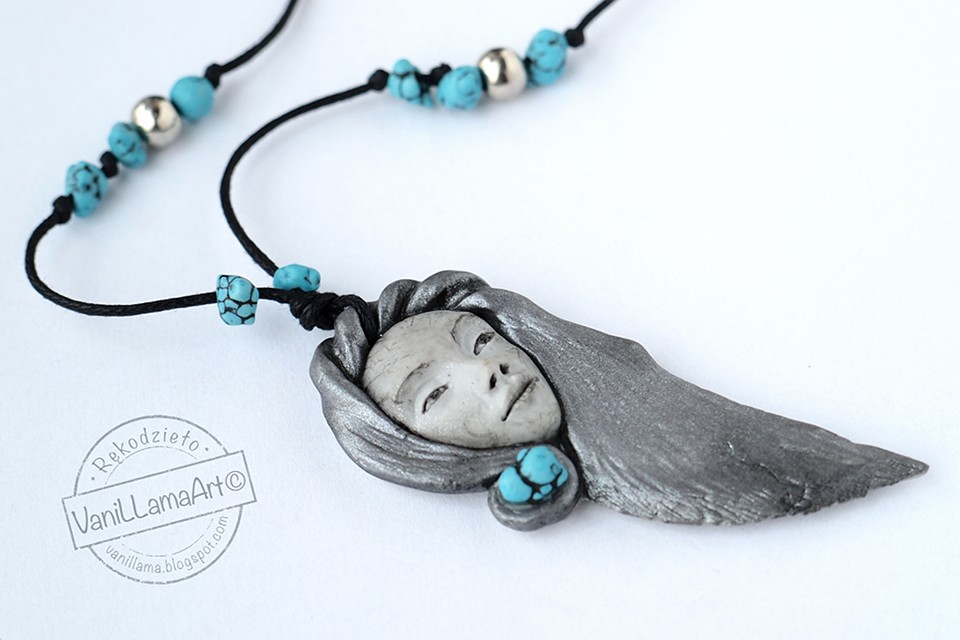 Dziewczyna z Północy / A Girl from The North - polymer clay necklace